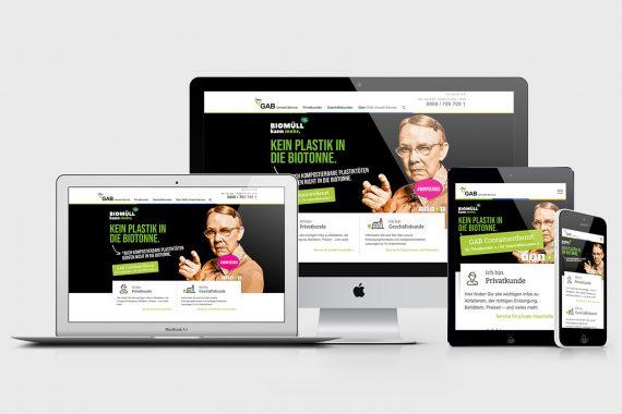 Multimedia-Geräte mit Kampagnenwebsite auf Displays